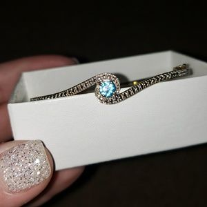 Jewelry - Blue topaz bangle